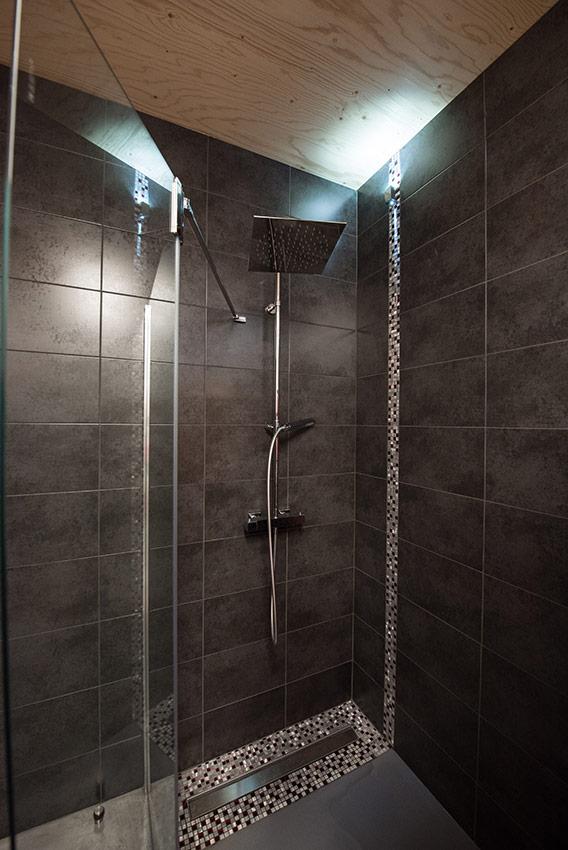 Une salle de bains haute en couleurs - Concept bain