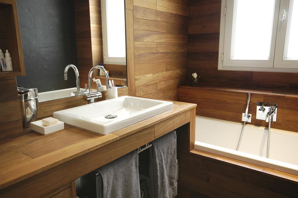 Idées d\'aménagement pour une salle de bains à l\'esprit sauna ...